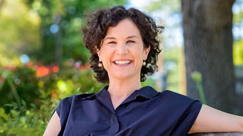 Headshot Of Jessica Zitter
